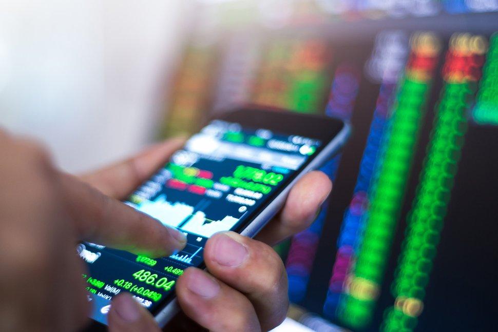 Tips for Online Mobile Stock Trading